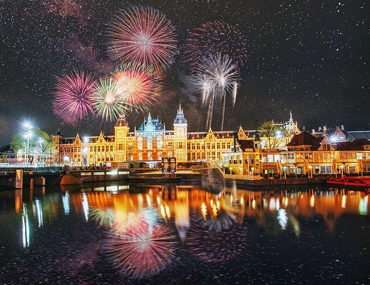 Feuerwerk über Amsterdam