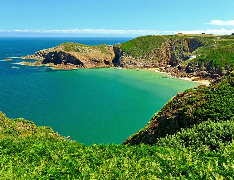 Malerische Bucht auf Jersey