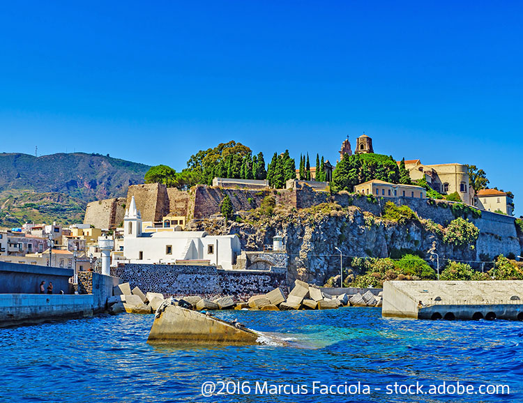Der Hafen von Lipari