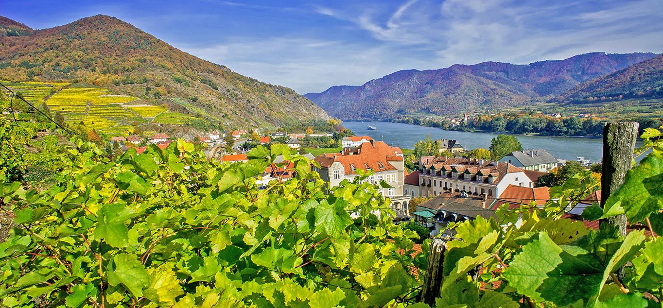 Frühling entlang der Donau: Von Passau nach Budapest und zurück