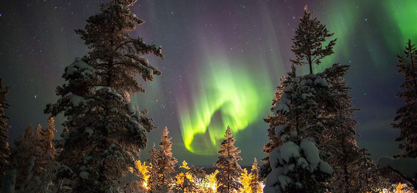 Mit etwas Glück können Sie die spektakulären Nordlichter beobachten.