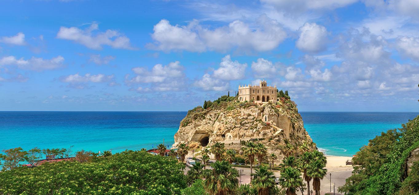 TBlick �ber Tropea auf das Mittelmeer