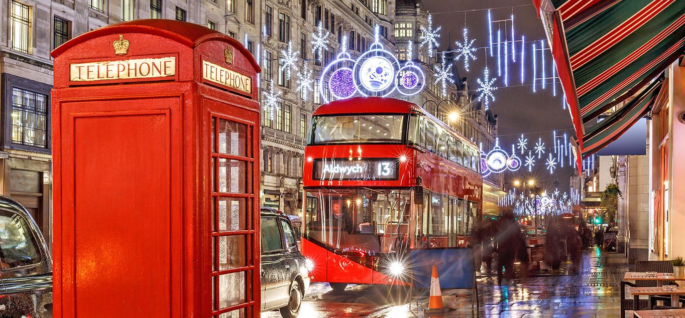 TWeihnachtlich geschmückte Straßen in London